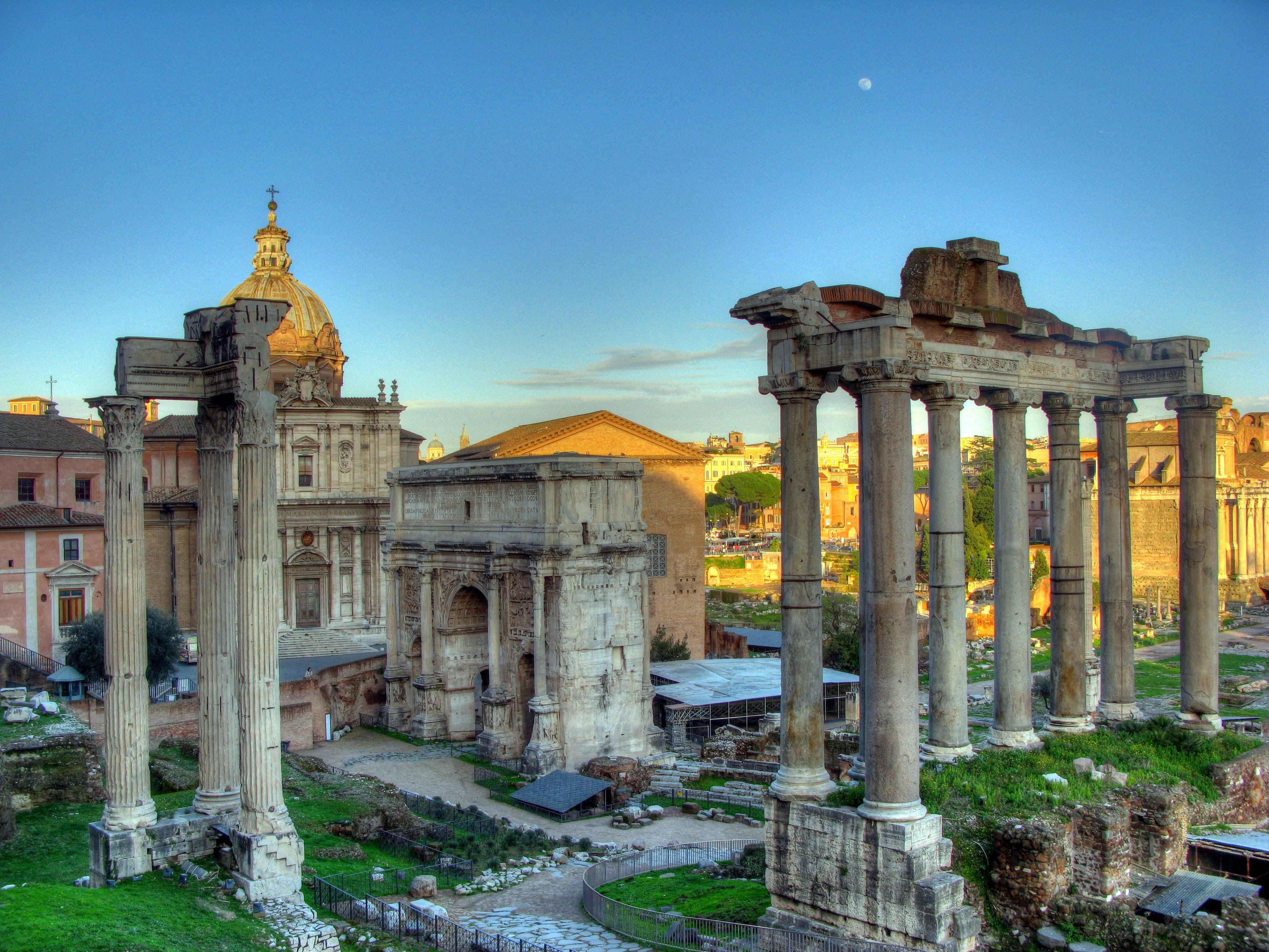 Fórum Romano o centro político, econômico, cultural e religioso da cidade durante a República...