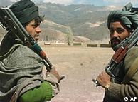 شورشیان طالبان نیز به عنوان اپوزیسیون غیر قانونی دولت افغانستان شناخته می شوند.