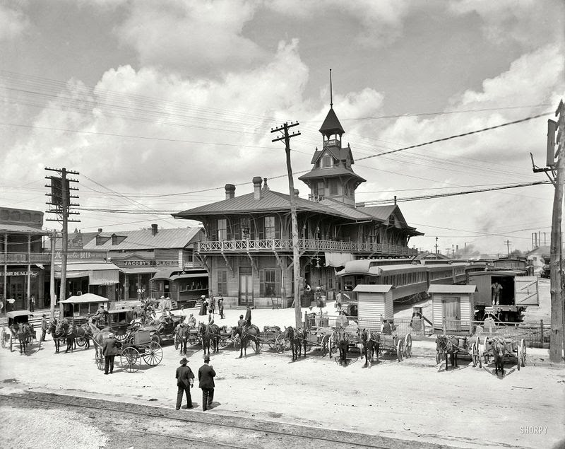 Louisville and Nashville Railway Station,Florida 1910