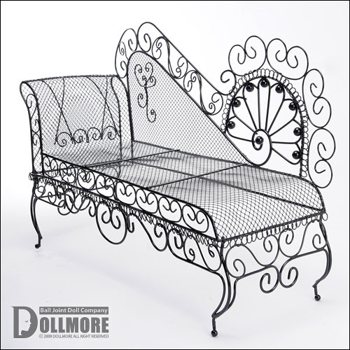 Dollmore sofa for Dollfie.