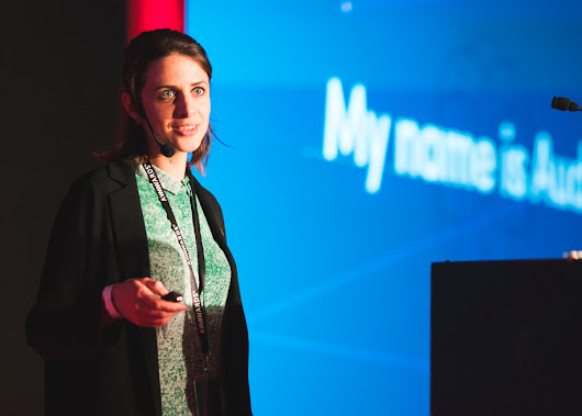Talk: Aude Degrassat on Aesthetic in Digital Design at Awwwards Conference London