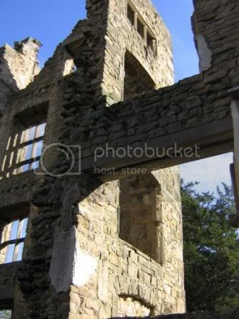 Photo by Rullsenberg: Old Hardwick Hall, Sept 16 2007