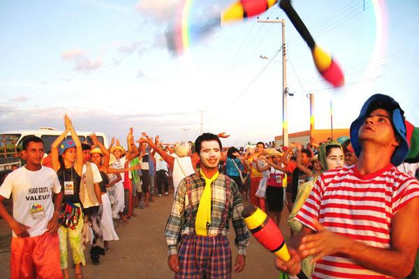Escambo Livre de Rua surgiu em Janduís, em 1991, e hoje tem conexões em todo o país. Além de receber grupos de outros Estados, também é visitado por diretores e dramaturgos como Amir Haddad