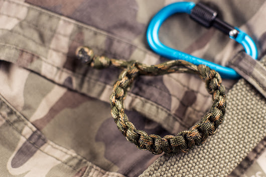 Why You Need a Paracord Bracelet, 86 Practical Uses and 14 Kind of Made Up Ones - UNKEMPT