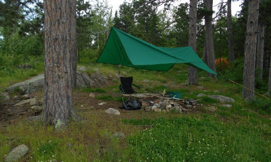 How to pitch a tarp to survive in heavy winds | Survival Common Sense: tips and how-to guide for emergency preparedness and survival