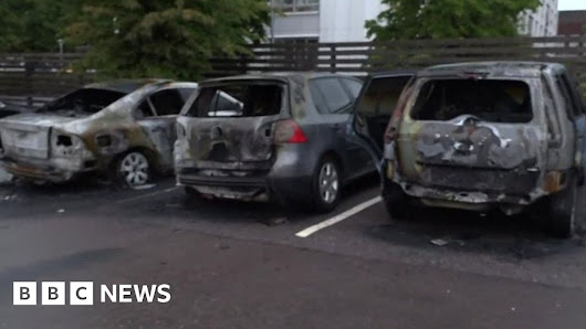 Sweden cars: 80 set on fire by gangs in several cities - BBC News