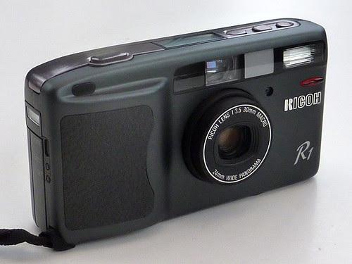 Ricoh R1 by pho-Tony