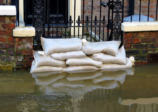 Sandbags for Flooding — How to Use — Where to Buy?