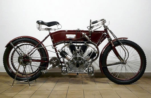 1909 Torpedo V4 replica by Pavel Malaník