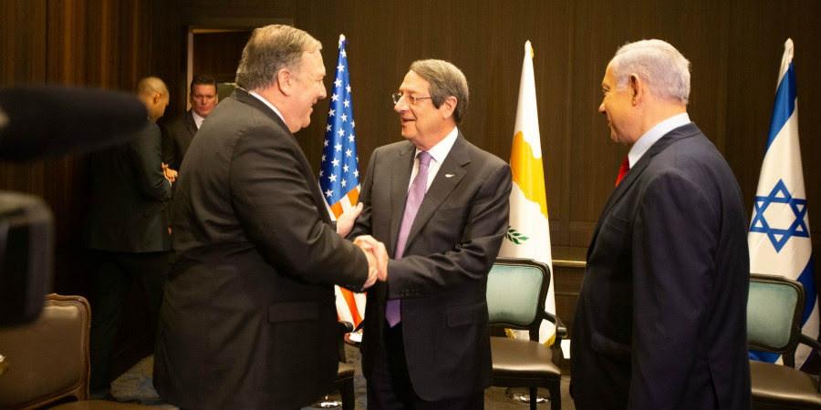 Η σημασία της συμμετοχής των ΗΠΑ στην Τριμερή για Κύπρο