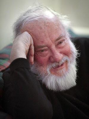 O romancista americano Robert Stone em foto de 7 de novembro de 2013 (Foto: Bebeto Matthews/AP)