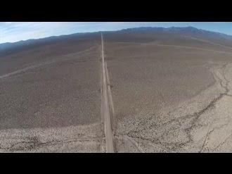Take a quadcopter ride in restricted airspace near Area 51 / Quadcopter Volando Sobre el Área 51