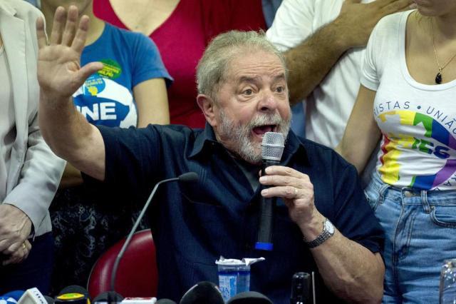 Após denúncia, Planalto atua para blindar ex-presidente Lula NELSON ALMEIDA/AFP