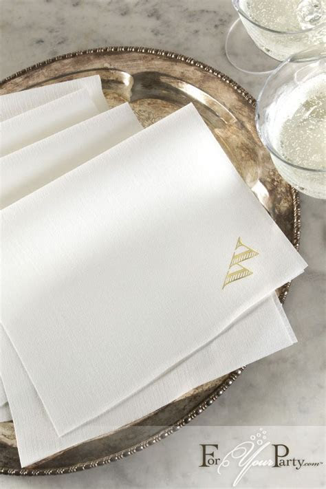 These personalized dinner, linen like, paper napkins will