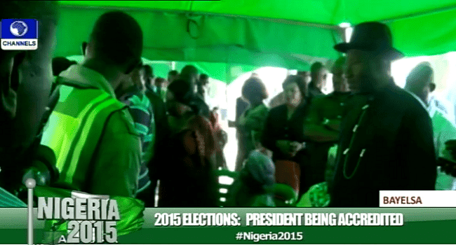 #NigeriadDecides: President Jonathan Finally gets accredited after using 4 card readers