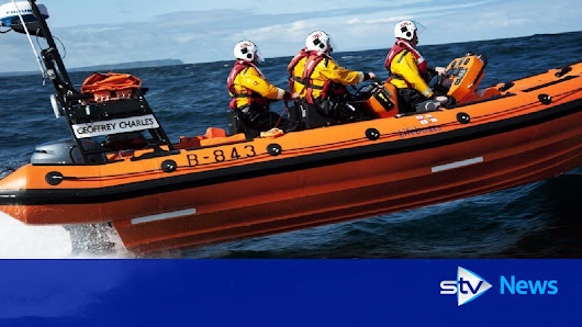 Rescuers search for person in water near Tay Bridge