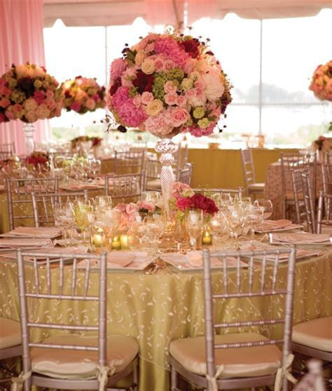 Wedding table decoration   http://lomets.com