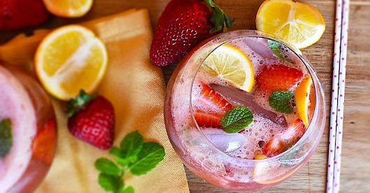 This Strawberry Matcha Lemonade Is the Tastiest Way to Hydrate