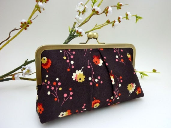 NEW- Country Fair Raisin KissLock Clutch