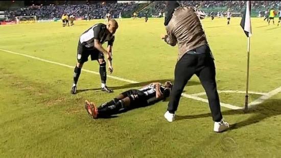 Zagueiro Thiago Heleno e volanteFrança 'enterram' Avaína Copa do Brasil