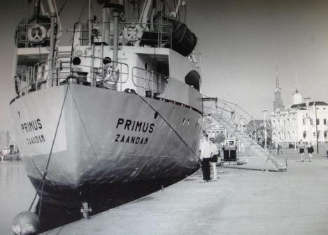 Op-8-augustus-1955-te-water