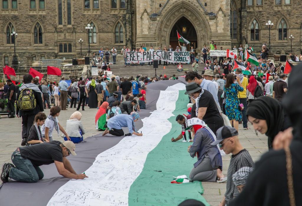 Une manifestation sur la Colline du Parlement à Ottawa, 2014. Photo: Tony Webster / Wikimedia