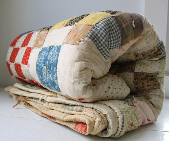 antique 1900s FARM SUPPER quilt, farmhouse vintage