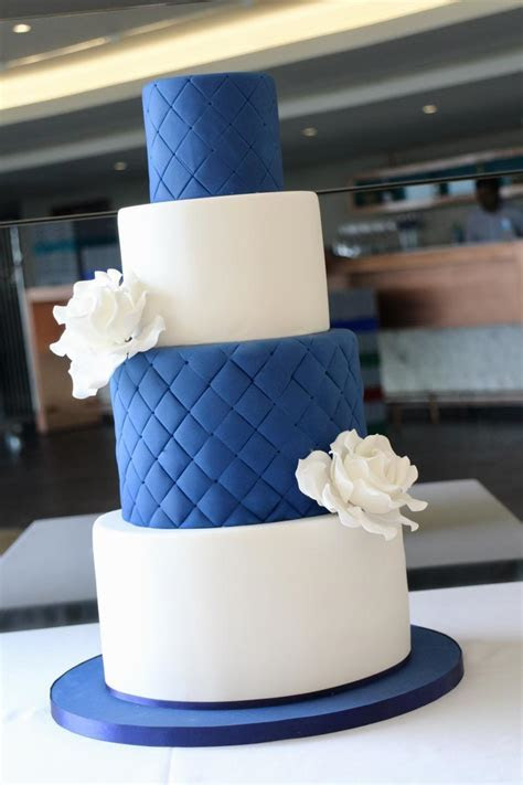 wedding cake maker in Berkshire and the South East