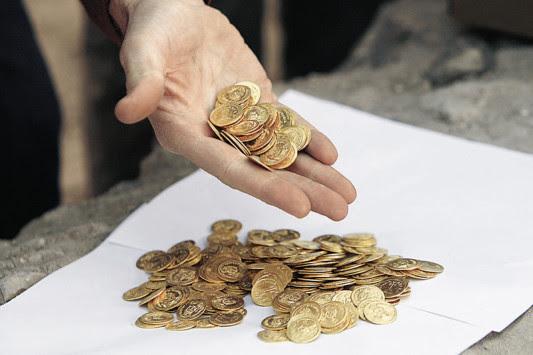 Αποκαλυπτικά στοιχεία: `Σκοτώνουν` χρυσές λίρες για να πληρώσουν φόρους!