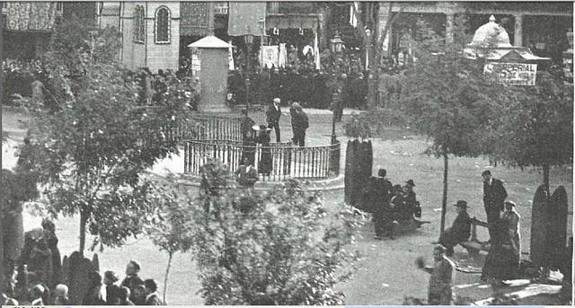 Urinarios de Zocodover recién construidos en la primavera de 1926