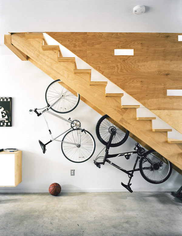 storage-space-stairs-23