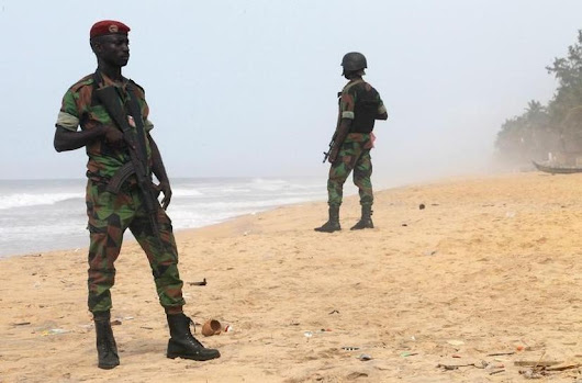 Ivory Coast arrests 15, seeks leader of al Qaeda beach attack