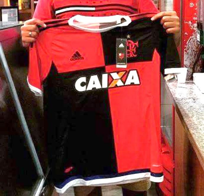 Terceira camisa do Flamengo vaza na internet