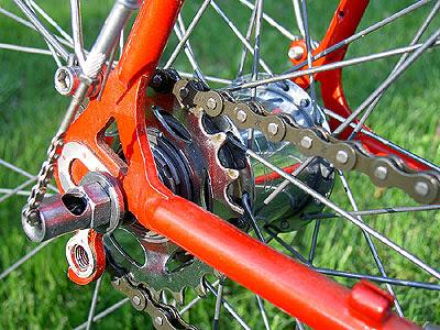 Shift chain on hub on bike
