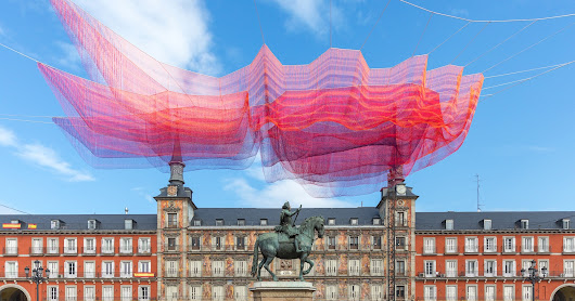 Janet Echelman Suspends Time-Inspired Net Sculpture Over Madrid's Plaza Mayor | ArchDaily