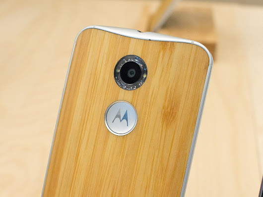 Our first pictures from the new Moto X