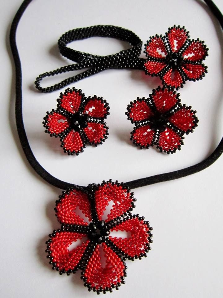 EyeCandy - Flower Ensemble Jewelry Set featured in Bead-Patterns.com Newsletter. Check it out for details and for more featured EyeCandy and FREE beading patterns!