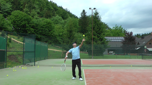 Tennis Serve Video Analysis And Drills For A Higher Toss | Feel Tennis