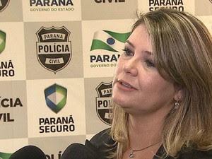 Delegada Tânia Sviercoski deu coletiva de imprensa nesta quinta (19) (Foto: Reprodução/RPC)