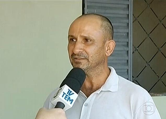Dorivaldo Porfírio de Lima, 44, quer devolver dinheiro que o filho teria roubado de dois comércios