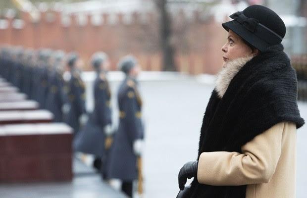 A presidente Dilma Rousseff em Moscou em cerimônia no túmulo do soldado desconhecido (Foto: Reuters)