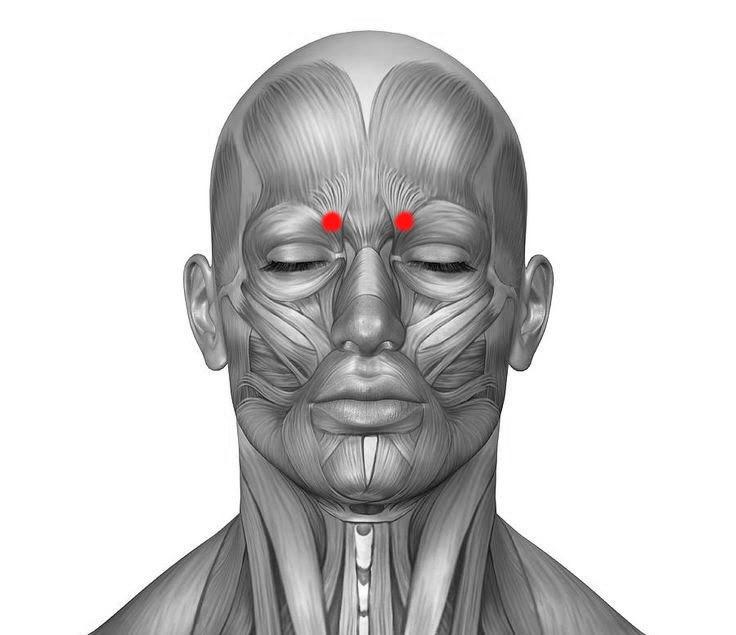 Точечный массаж при головной боли и мигрени