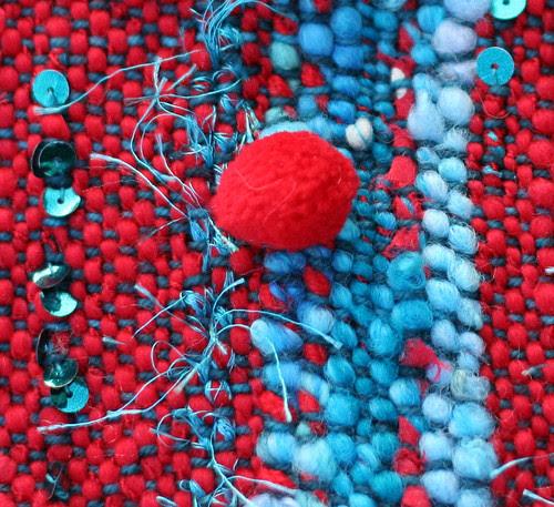 Woven scarf of handspun yarn [closeup]