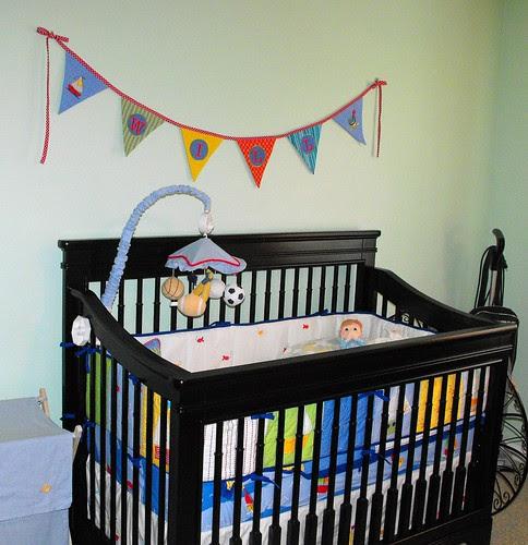 Nursery with a calicodaisy touch