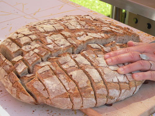 découpe du pain.jpg
