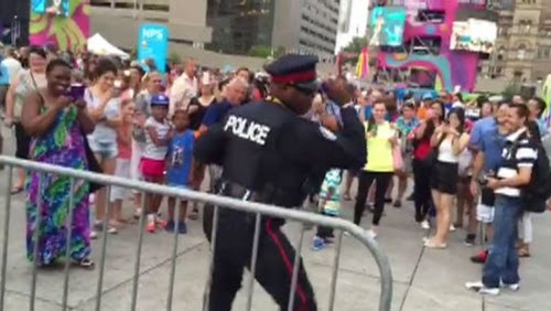 Dancing Toronto cop is the best thing about Panamania | Watch News Videos Online