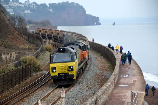 Weekend Infrastructure trains - Dawlish Beach Cams
