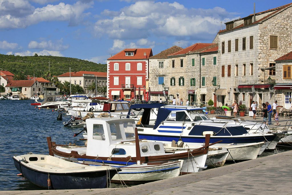 The Harbour of Stari Grad