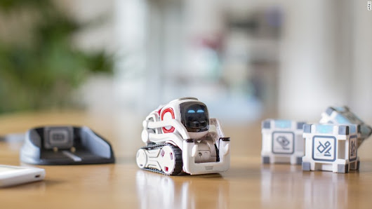 This tiny robot is a real life Wall-E