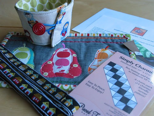 mug rug package by Poppyprint